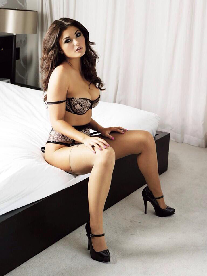 Amazon babe with incredible body for your pleasure 7